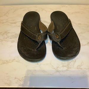 OluKai Haipo Men's Leather Flip Flops size 12